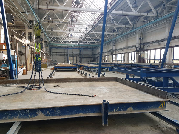 mold for the production of ceramic walls